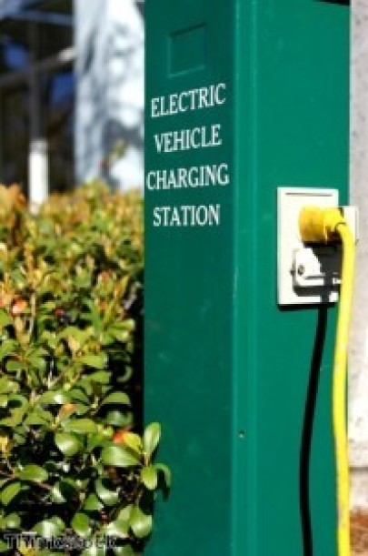 Electric car grants to improve UK air quality