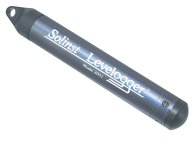 Accurate and compact water level datalogger