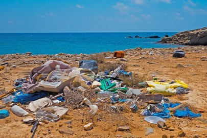 How Does Plastic in the Ocean Affect the Air?