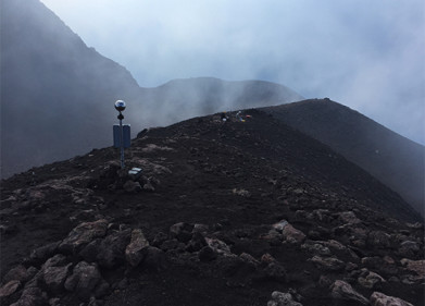 Volcanic activity and imminent eruptions can be detected with a novel new lightning warning system